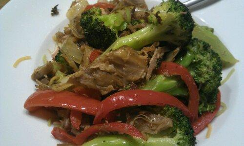 Pinnekjøttwok med brokkoli og paprika